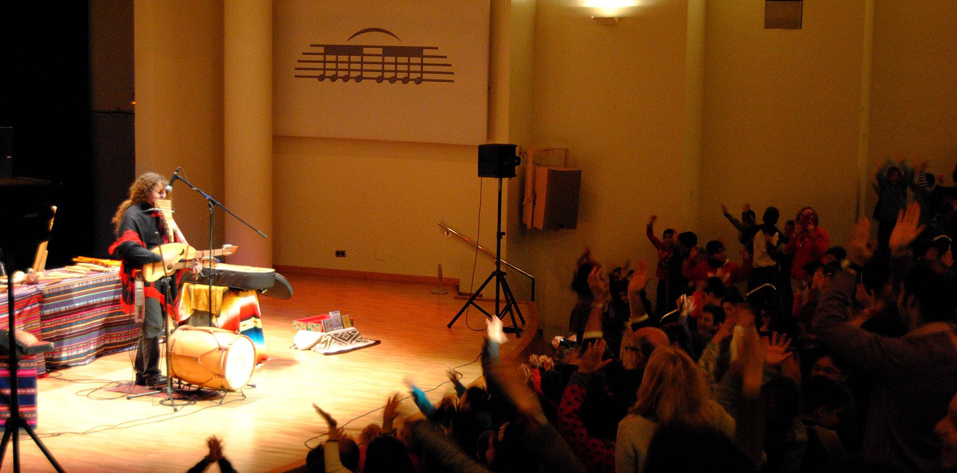 Conciertos didacticos de Pablo Nahual en el Palau de la Musica de Valencia